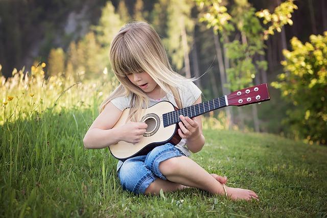 子供の習い事としてのギターのすすめ【音楽知育】